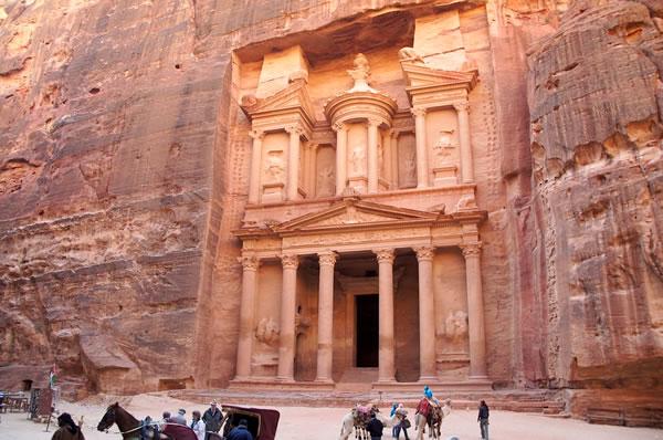 Petra, una ciudad de película escavada en la roca